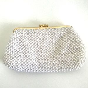 Vintage 1960's white plastic beaded clutch purse